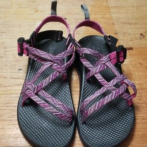 NWT Chaco sandles size 4